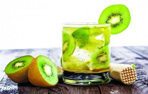 Caipirinha de kiwi
